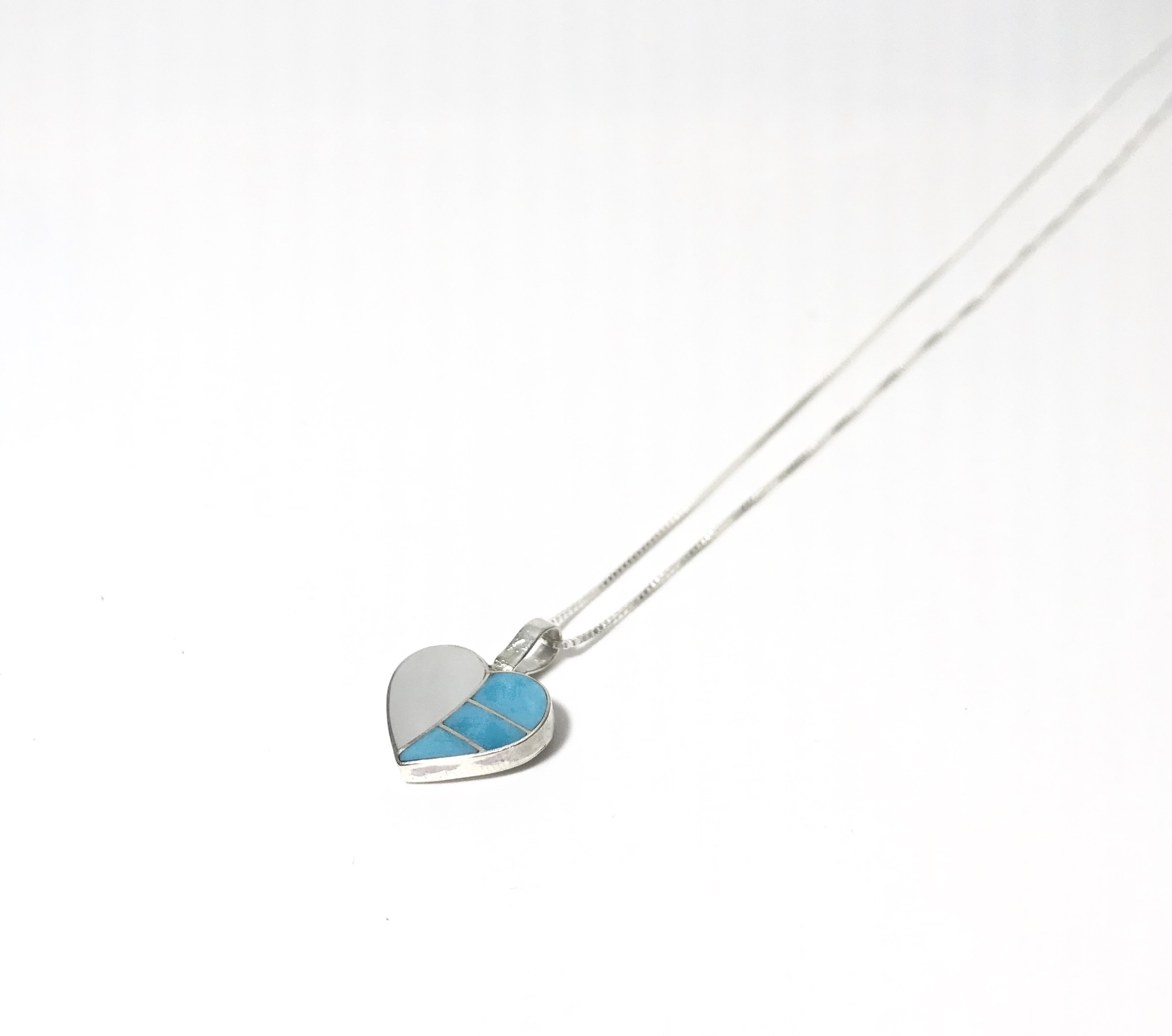 INDIAN JEWELRY  NAVAJO族 HEART NECKLESS TURQUOISE SHELL /ナバホ族 ハートネックレス インディアンジュエリー ターコイズ シェル