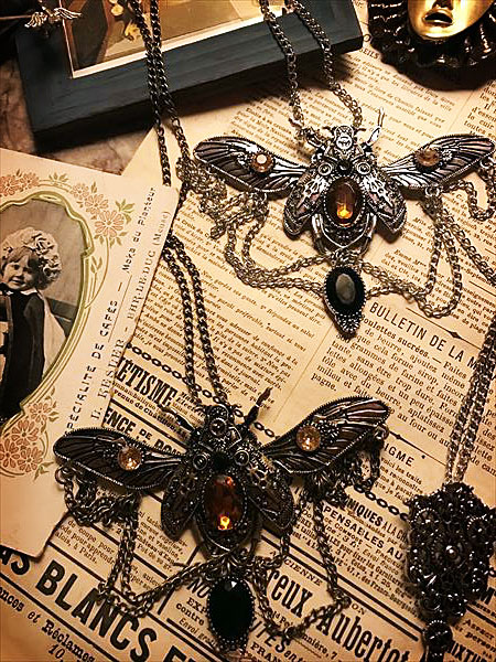 Steampunk accessory moth 蛾のネックレス