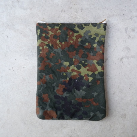 REMAKE FLAT POUCH -Germany-