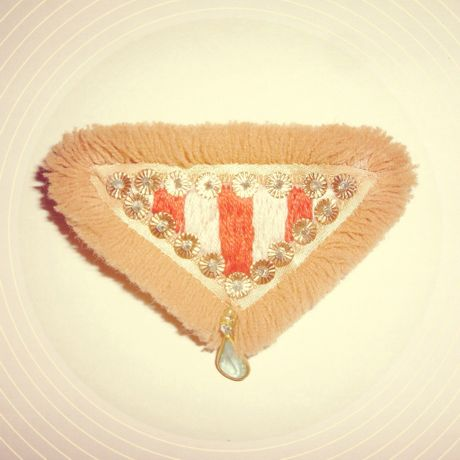 ■LION TRIANGLE barrette■