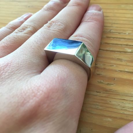 triangle ring  Pt900