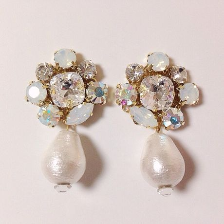 blanc peal pierce earring