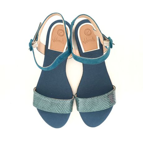vidorreta【Handmade】Leather Enamel×Suede Flat Sandal【Made in SPAIN】型押しエナメル×スエードフラットサンダル【Viorreta】BLUE