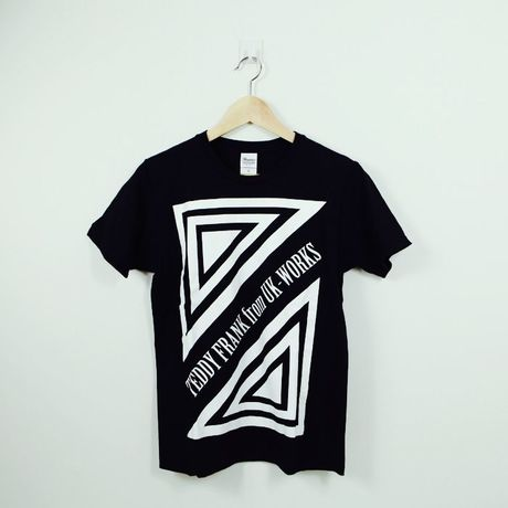 BLACK T-Shrit