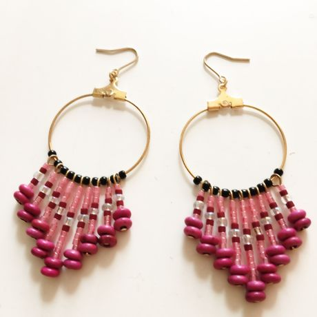 beads fringe pierce pink