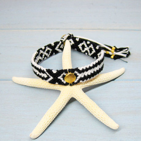 Shell Charm Friendship Bracelet