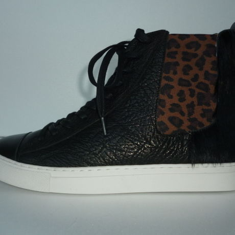 Ladies Hi-Cut Sneaker BLACK