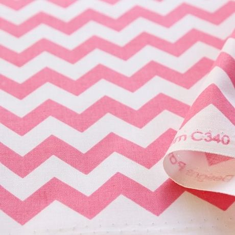 USAコットンRileyBlakeDesigns chevron small hot pink