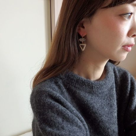 cristal × triangle pierce / earring