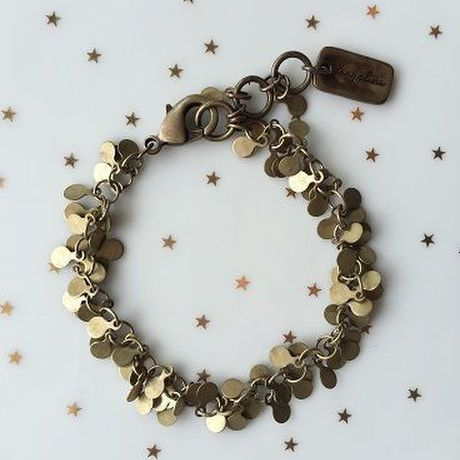 Circle-shaped chain bracelet