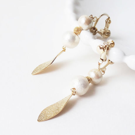 Gold-leaf and Pearl---イヤリング
