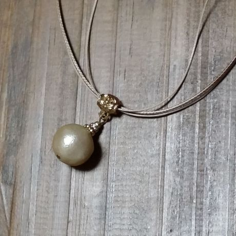 cotton pearl necklace…
