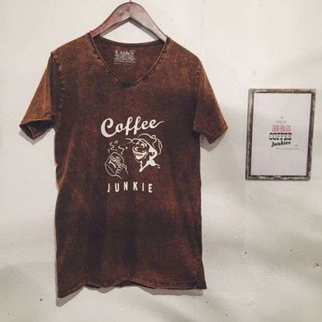 Coffee Junkie Vintage Washed T(ブラウンLサイズ)