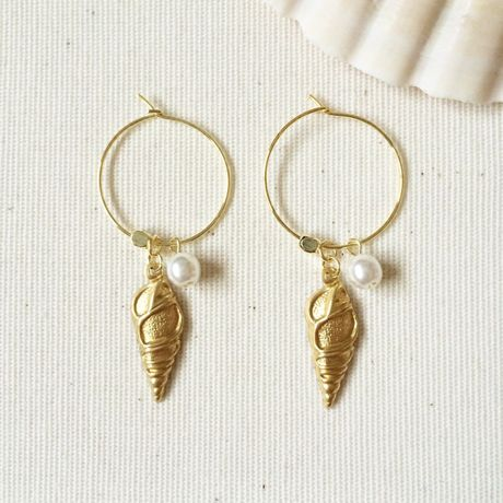 Shell hoop earrings 2