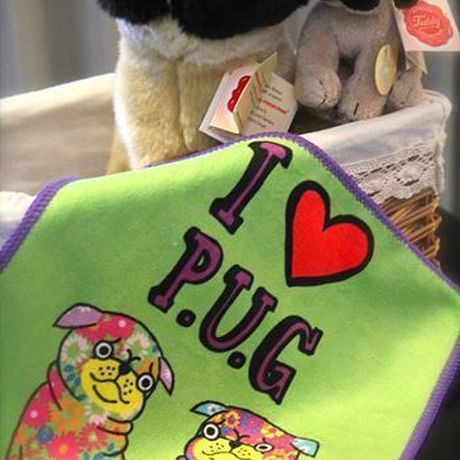 """*""""I ♡ Pug """" Hand Towel* (free delivery) 包郵"""