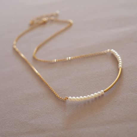 Gold Tube Necklace with Pretty Pearls