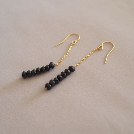 Black Spinel I-Line Earrings