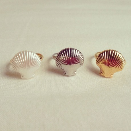 Shell pinky ring