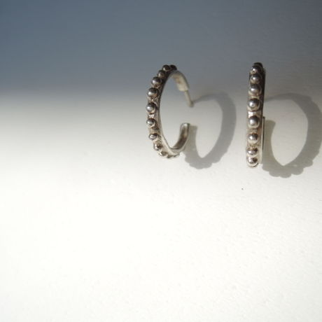 Grain hoop earrings
