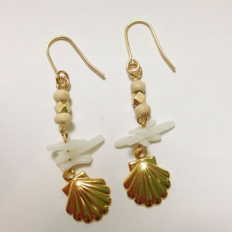 coral & shell  ピアス