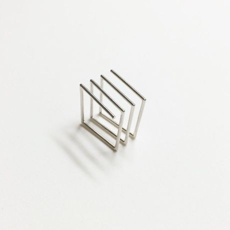 SQUARE SPRING RING