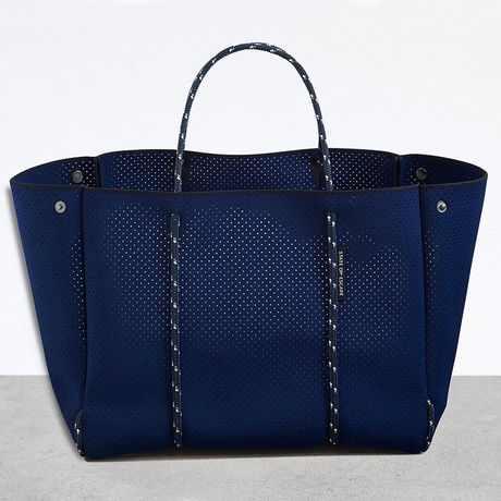 State of Escape BAG - NAVY  L