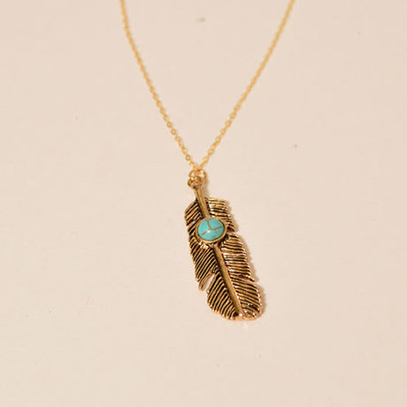 Feather plate necklace