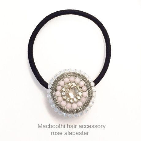 Macboothi hair accessory / rose alabaster
