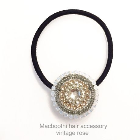 Macboothi hair accessory / vintage rose