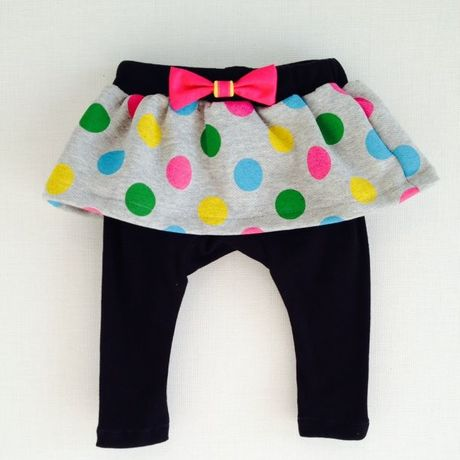 Polka dot skirt with leggings (Black)