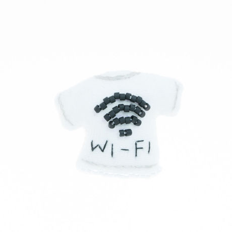 Miniature T-shirt Brooch(wi-fi)