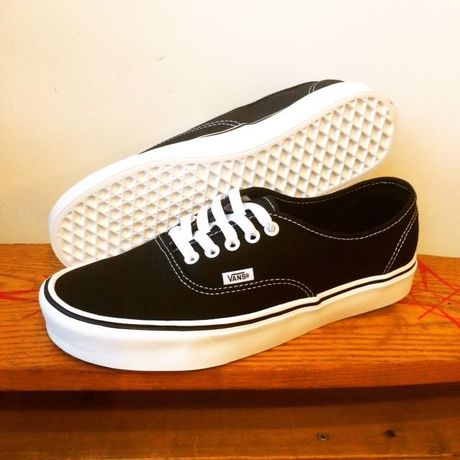 【VANS】Authentic Lite + (Canvas) Black/White