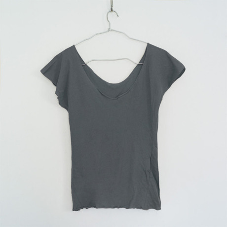 """""""PITATTO""""U-NECK T / CHARCOAL GRAY"""