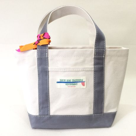 neighborhood TOTE M size