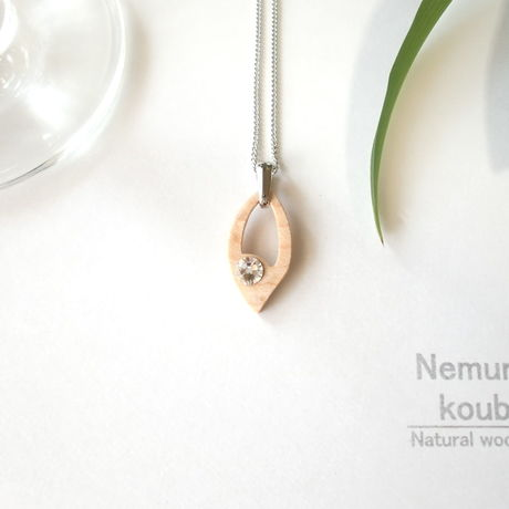 Timber  necklace (Swarovski)「Leaf」type3