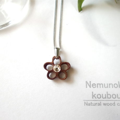 Timber  necklace (Swarovski) 「Flower」