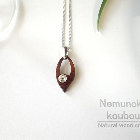 Timber  necklace (Swarovski)「Leaf」 type2