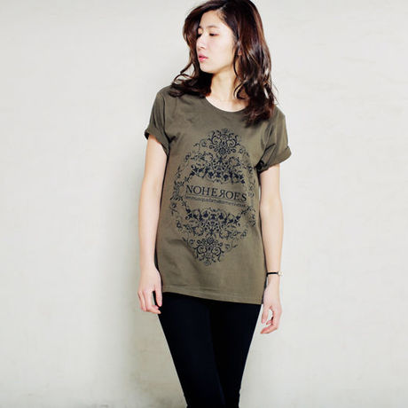 Diamond shaped ornament TEE  Dark green