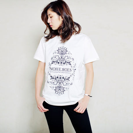 Diamond shaped ornament TEE  white
