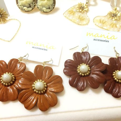 【New】leather flower YURA pierce