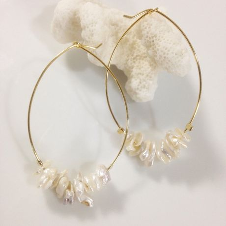 Water pearl hoop earrings