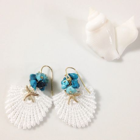Shell lace earrings