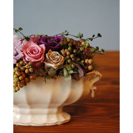 Antique   *Preserved flower arrangement*