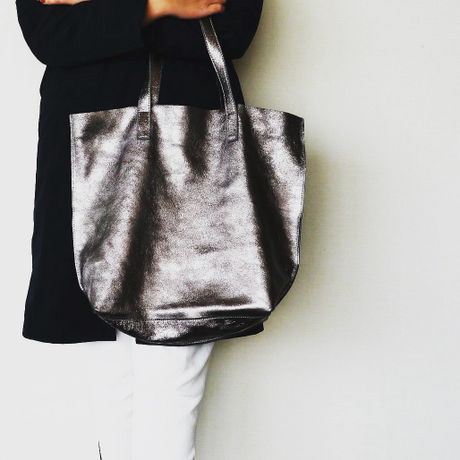 METALLIC LEATHER TOTEBAG - AntiqueSilver