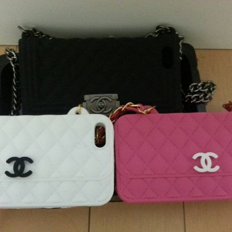 iPhone5/5Sカバーチェーン付3カラーセットCHANEL