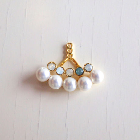 Two-Color Swarovski + Pearl Catch Accessory (Two Lines)