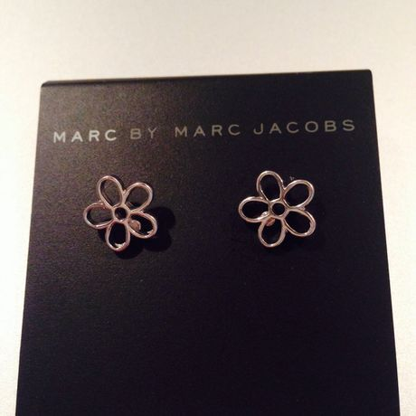 Cut Out Daisy Studs