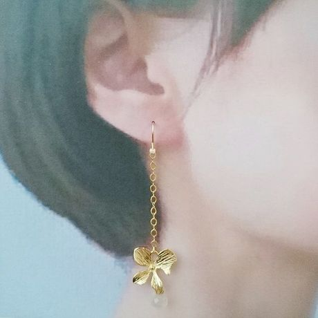 butterfly flower pierce